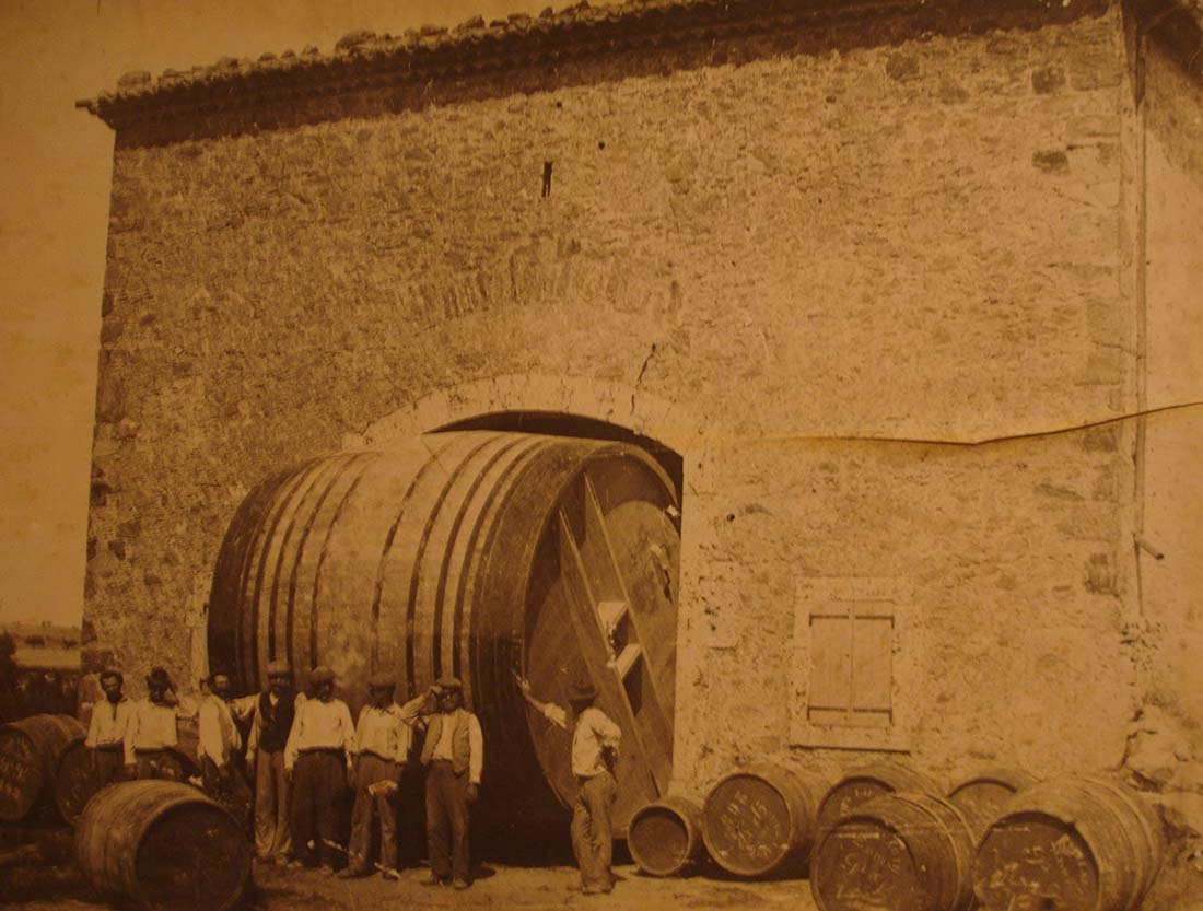 An early foeder, from an exhibition at L'Abbaye de Caunes-Minervois